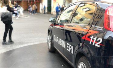 Ferentino, sorpresi dai carabinieri mentre rubavano in un supermercato: in manette un uomo e una donna (FOTO)