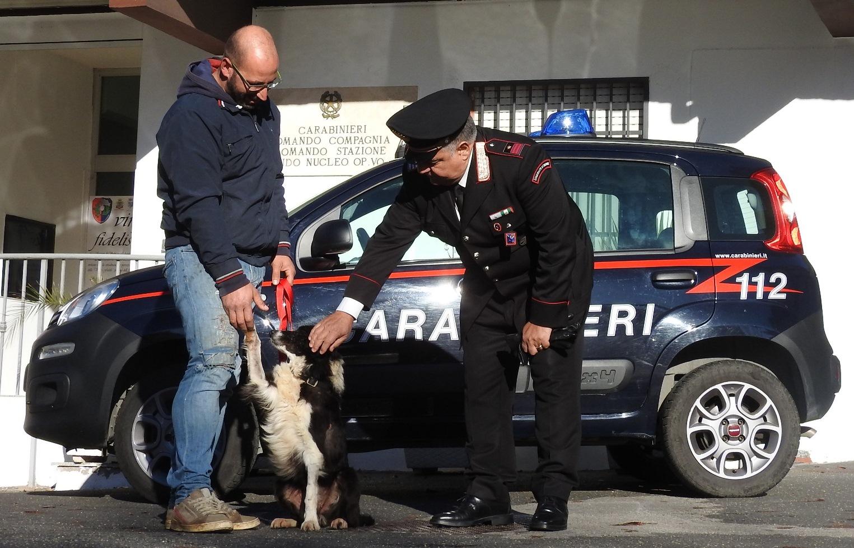 Prima Porta, due persone arrestate per spaccio: a tradirli sono stati i loro movimenti sospetti. Droga rinvenuta grazie al cane