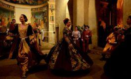 """A Cori tornano le magie del Rinascimento. La Compagnia Rinascimentale """"Tres Lusores"""" festeggia il ventennale della sua prima esibizione"""