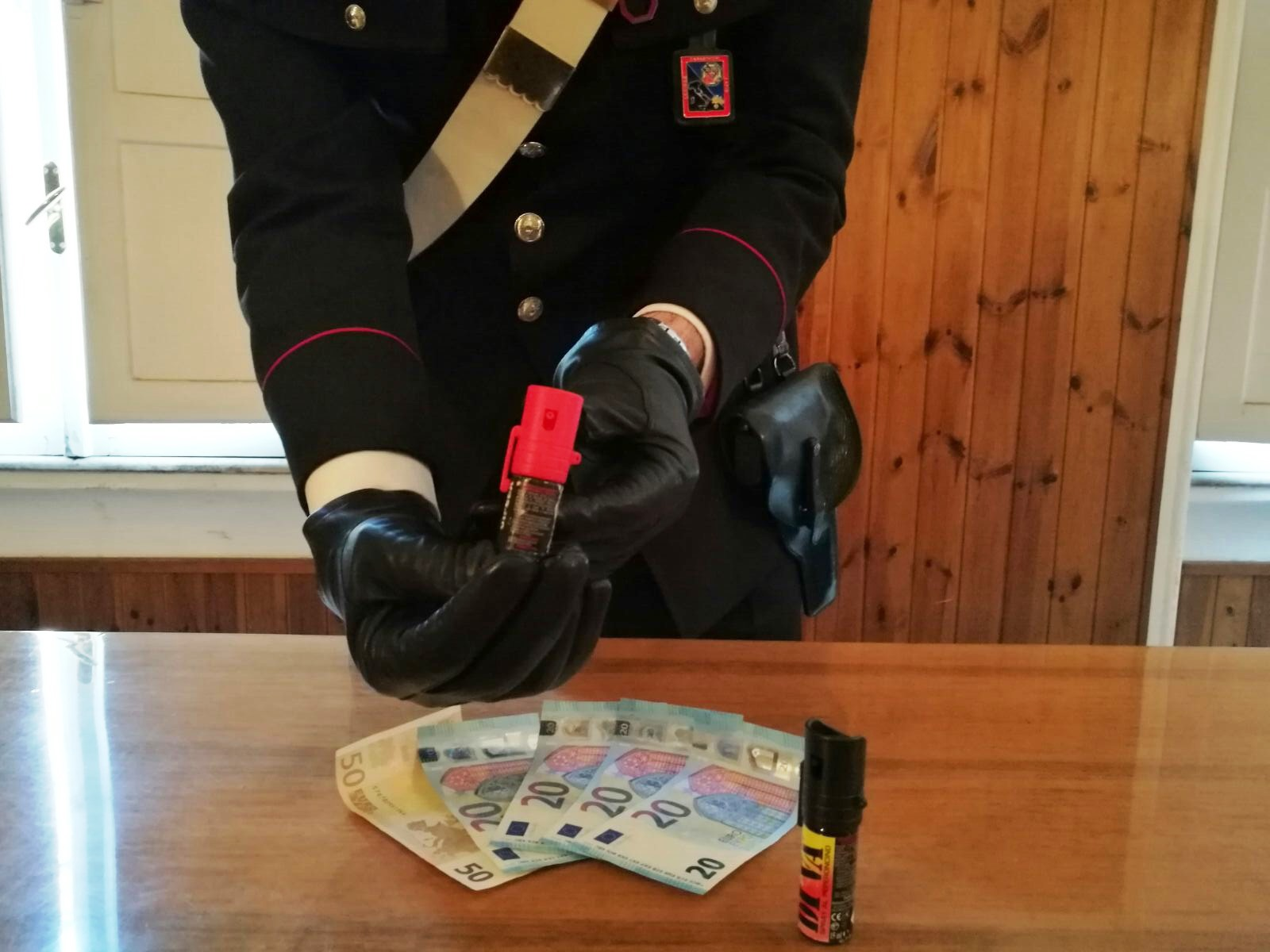 Sora, spruzzano spray urticante per rapinare un 40enne: nei guai due giovanissimi domiciliati ad Atina e Cassino