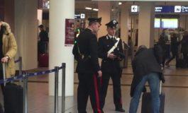 Aeroporti di Ciampino e Fiumicino, numerose sanzioni agli automobilisti, un arresto e una denuncia per detenzione documenti falsi e tentato furto