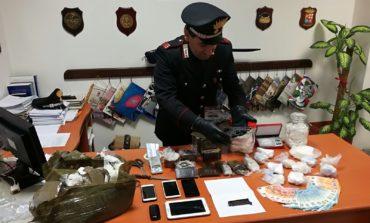 Tor Vergata, droga e una pistola nascosti in garage. I Carabinieri arrestano tre persone