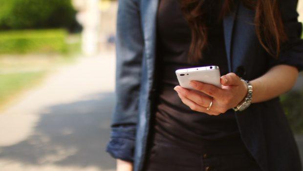 """Telefonia mobile, UE dichiara illegittimi servizi preimpostati a pagamento. Adiconsum: """"Un plauso alla sentenza"""""""