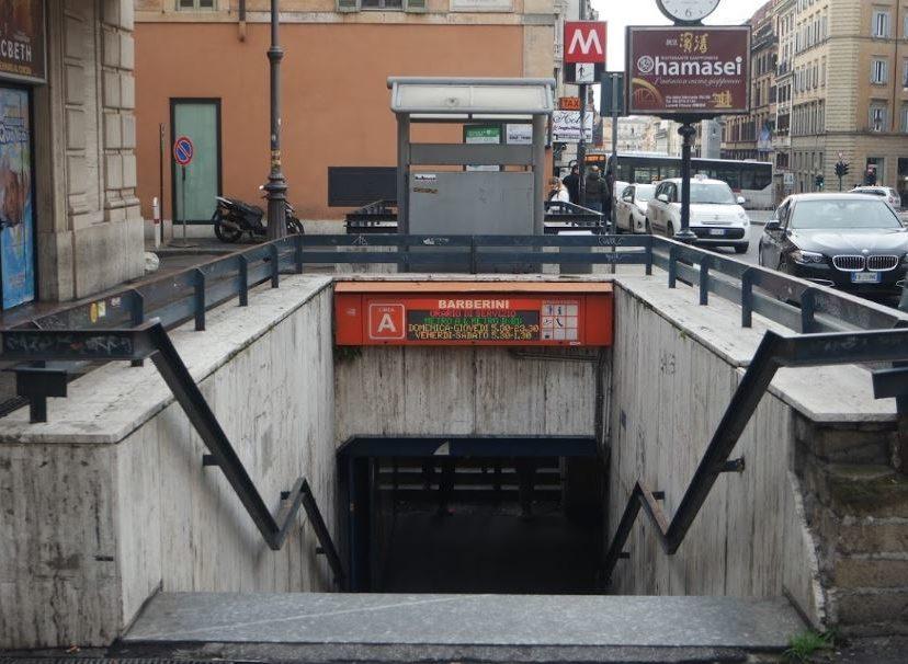 Roma Metro A Atac Riaperta ingresso stazione Barberini