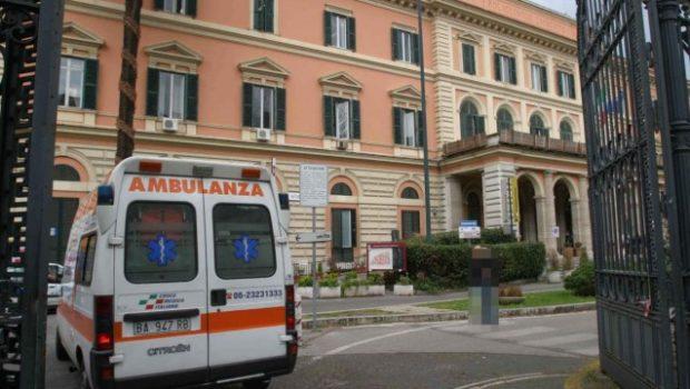 Ragazzo di vent'anni in attesa di trapianto di polmoni morto all'Umberto I: ha chiesto aiuto per messaggio ai suoi familiari prima dell'intervento
