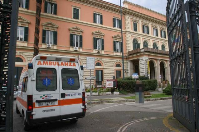 """Roma, Ospedale Umberto I, sindacati protestano: """"A rischio cure e assistenze"""""""