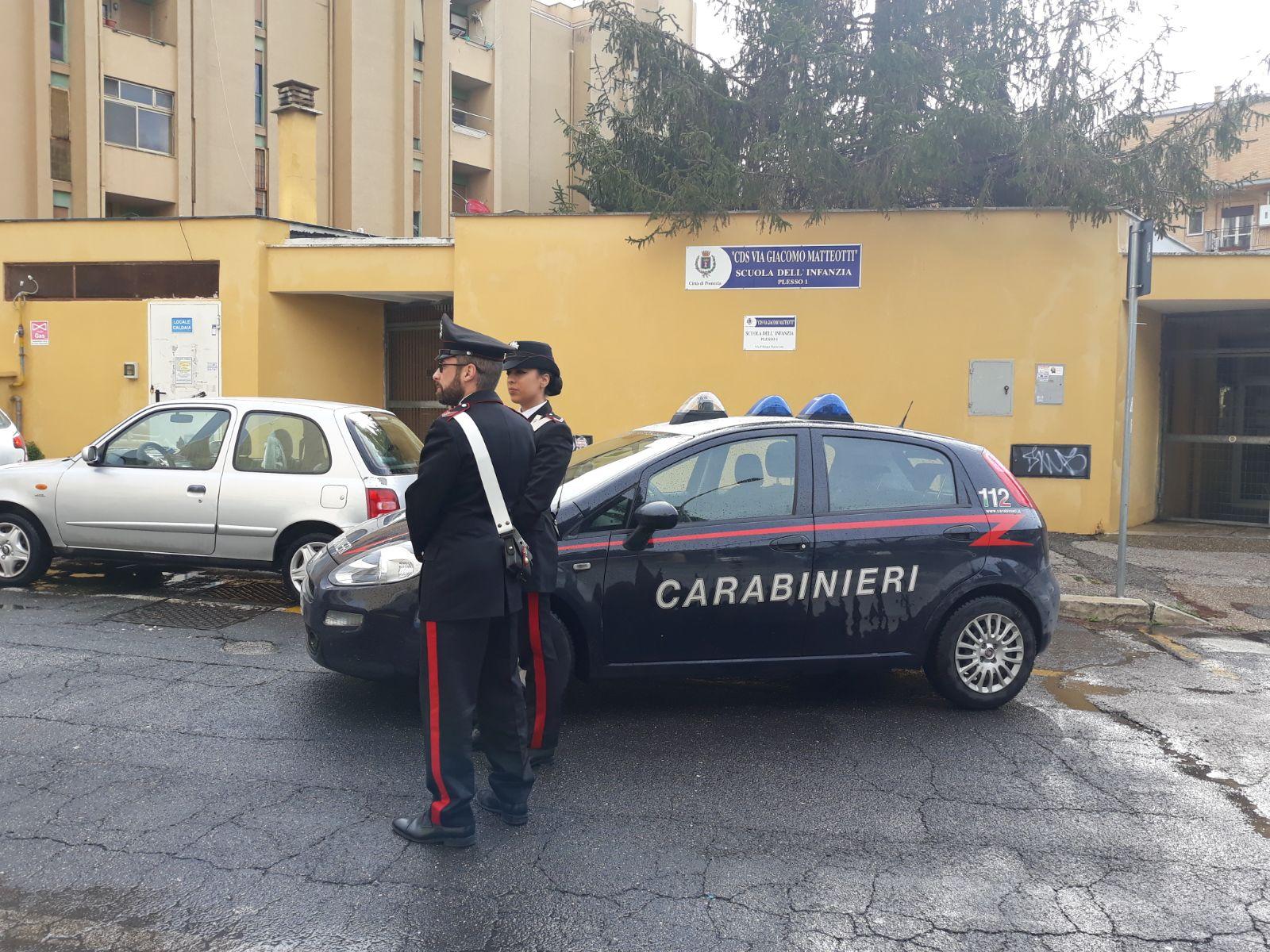 Pomezia, 42enne rapina anziane in strada: arrestato