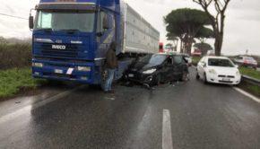 Incidente sulla Pontina: 4 feriti e traffico in tilt