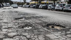 """Roma, """"il problema delle buche è fuori controllo"""", CODICI chiede intervento della Sindaca"""