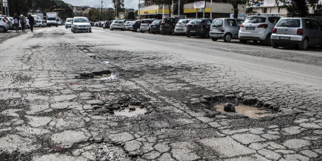 Roma, si apre domani la prima class action per danni da dissesto stradale