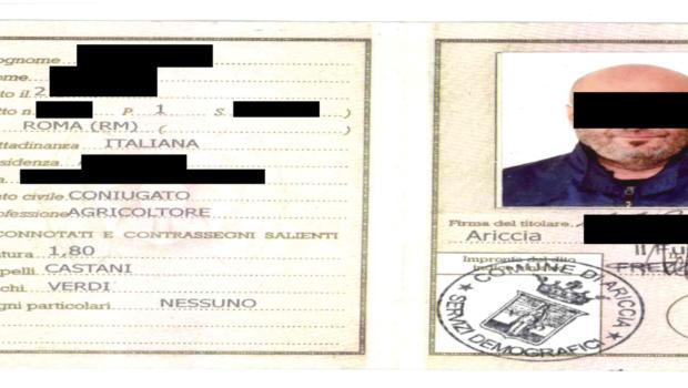 Roma, va in Prefettura con documento falso per assumere lavoratori stranieri: arrestato