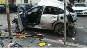 Aquino, esplosione in via della Libertà, bomba esplosa sotto auto e fiamme che rischiano di fare una strage