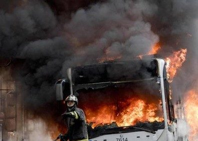 Roma, operai che hanno sabotato i mezzi Atac e per questo sono andati a fuoco: i Sindacati smentiscono