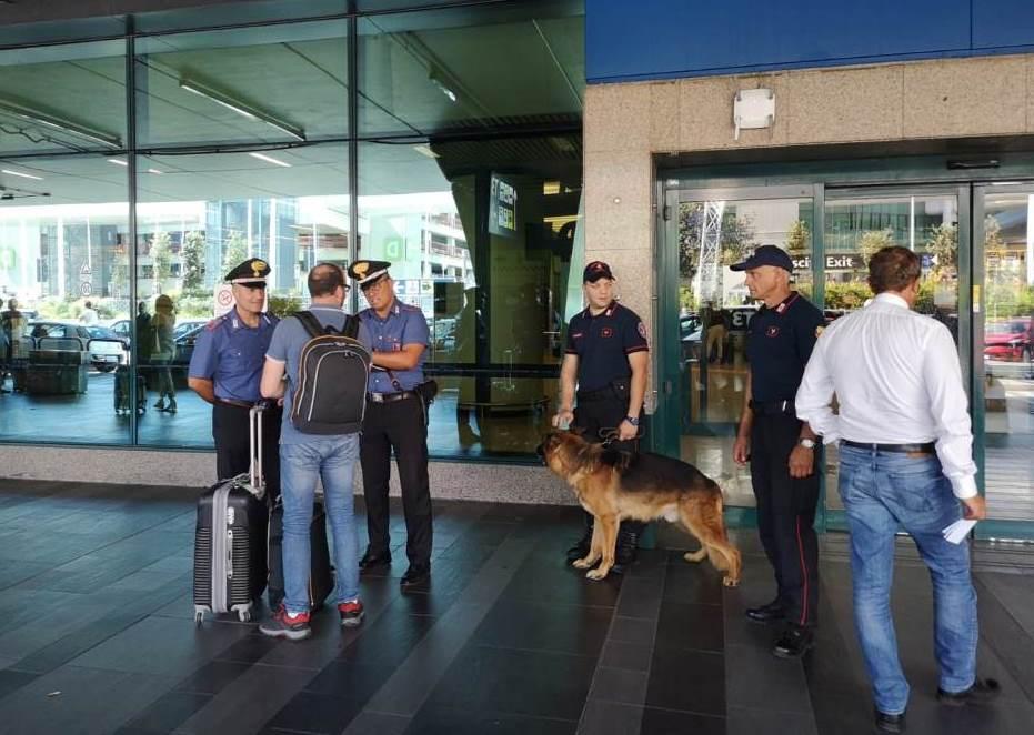 Fiumicino, controlli nell'aeroporto: 5 denunce per tentato furto