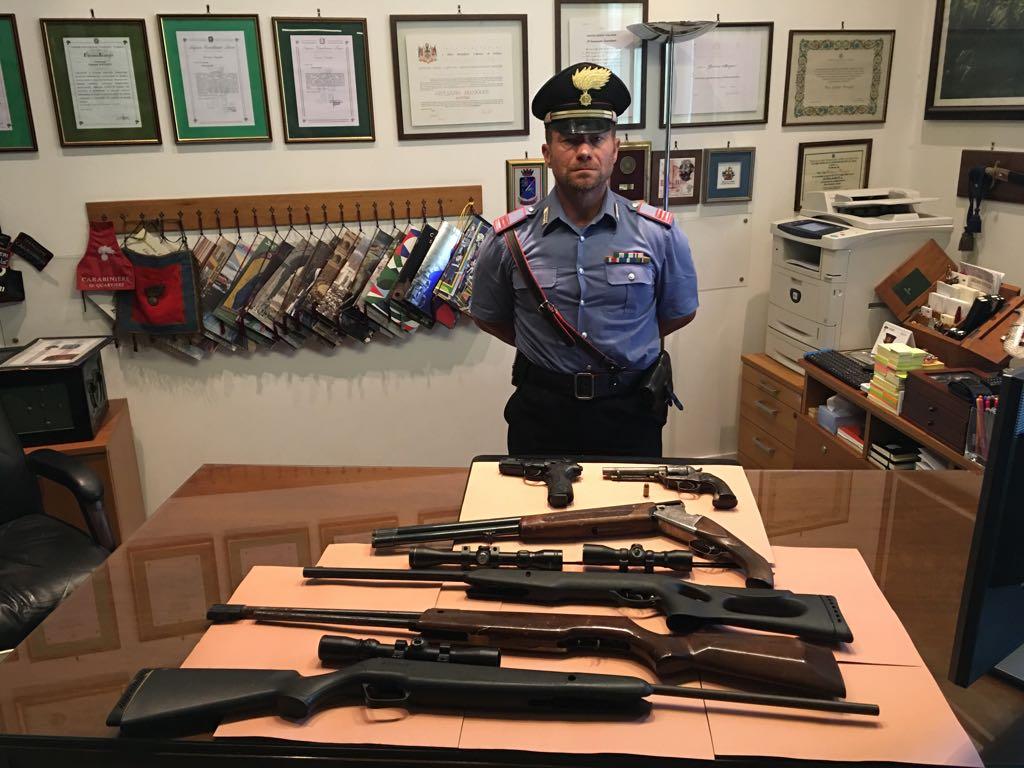 civitavecchia pistola carabiniere