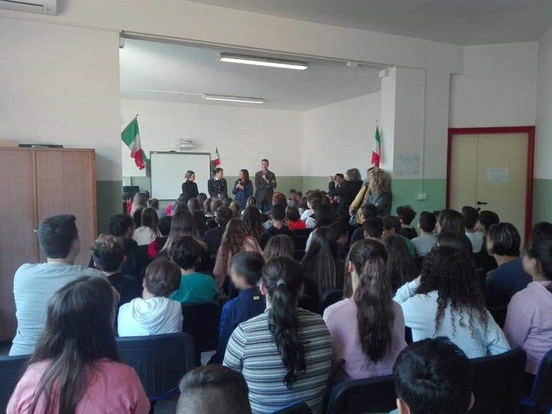 Quadraro cultura legalità Carabinieri incontrano scolari