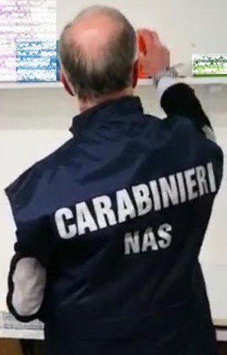 Roma, odontoiatra abusivo nei guai: sequestrate apparecchiature dal valore di 450mila euro