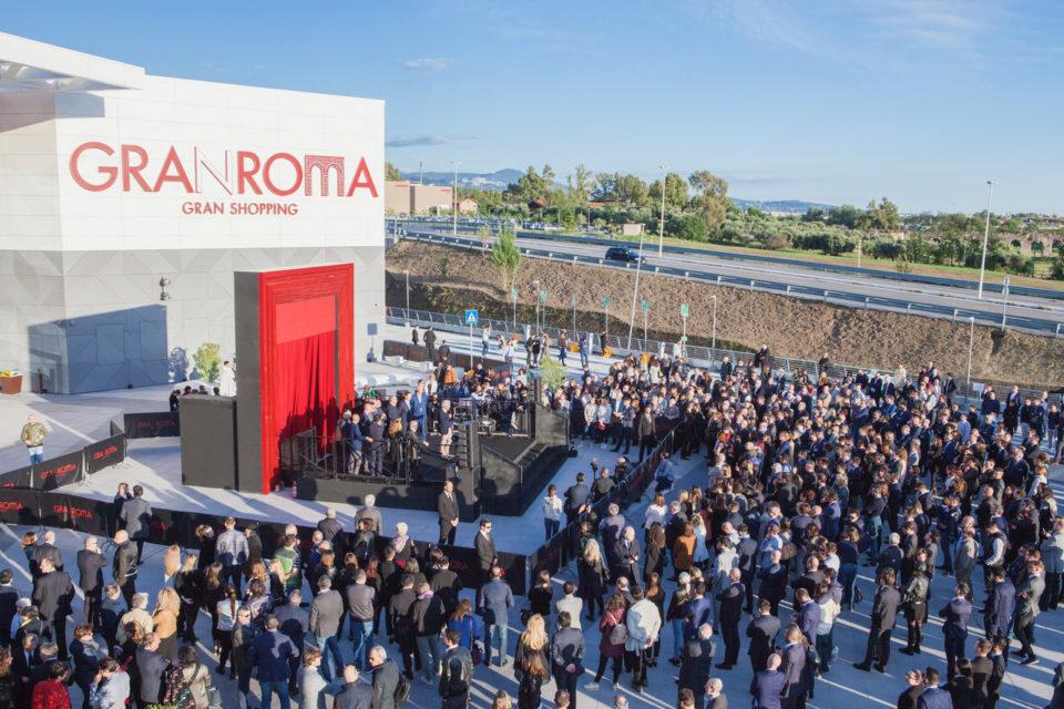 GranRoma Shopping apre al pubblico: presente anche l'attore Francesco Montanari (FOTO)