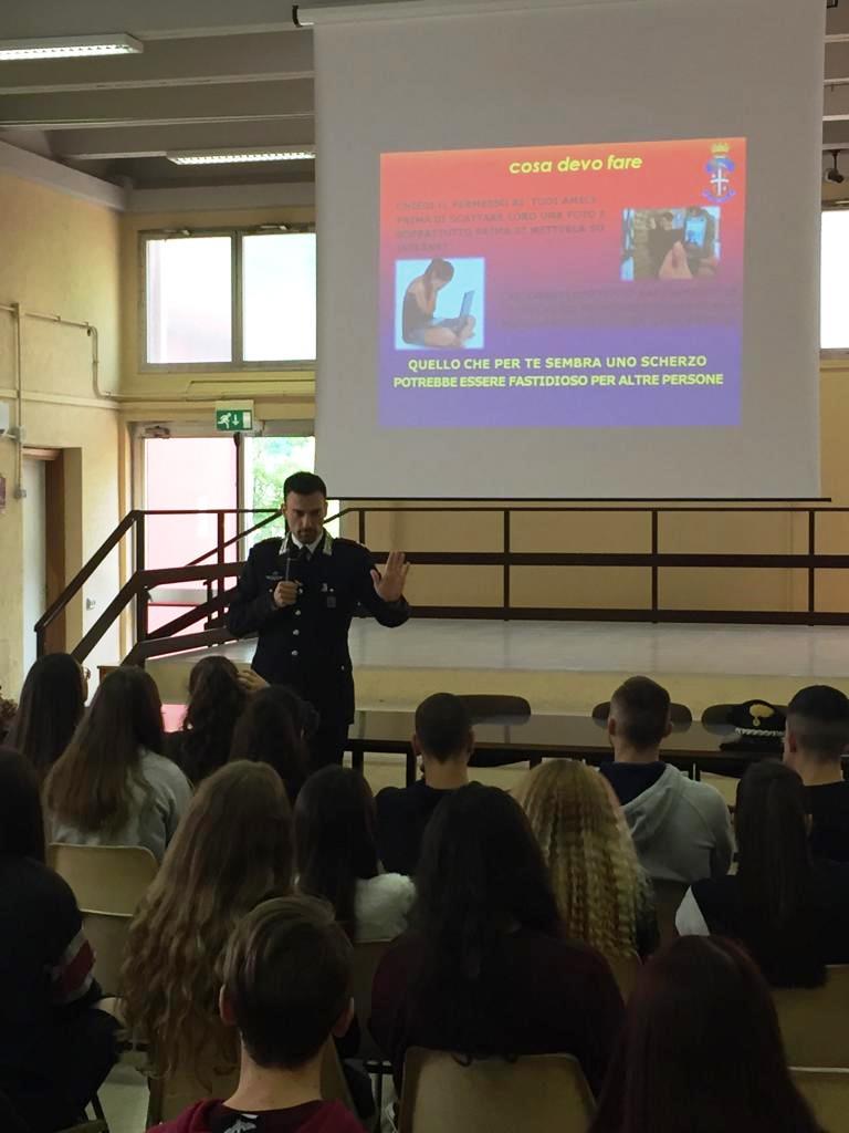 """Aurelio, cultura della legalità: i Carabinieri incontrano gli studenti del """"Seneca"""""""