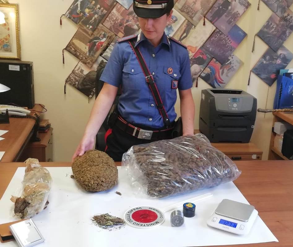 Tiburtina, 21 kg di marijuana in valigia: arrestato corriere della droga 25enne