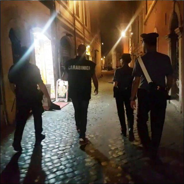 Trastevere, controlli dei Carabinieri: una persona arrestata e una denunciata. Sequestrate centinaia di dosi di droga