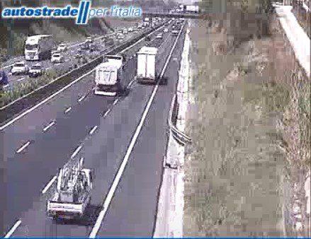 A1 Roma Napoli incidente autostrada tra Anagni e Colleferro oggi 25 agosto 2019