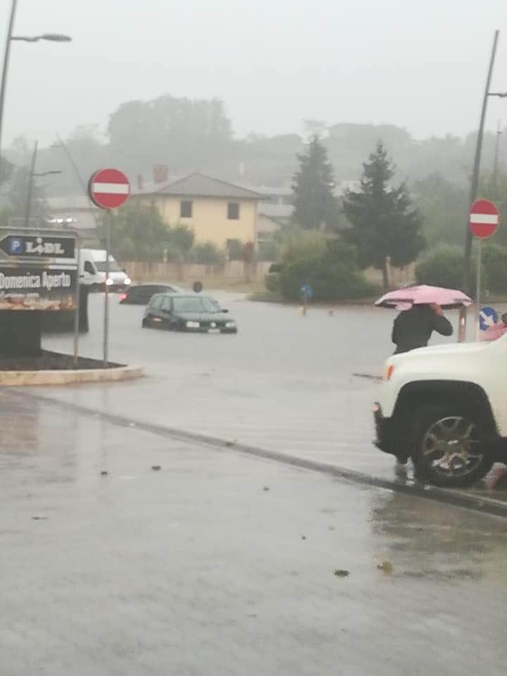 colleferro allagata via fontana dell'oste veicoli 19 settembre 2019