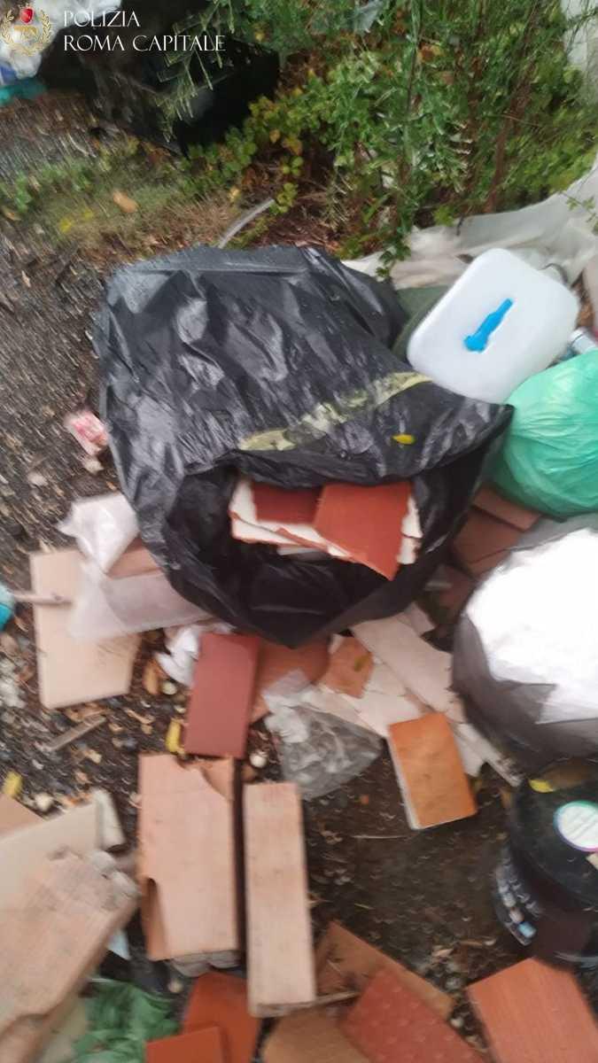 Arco di Travertino e Tor di Valle, sversamento illegale di rifiuti: denunce e multe per oltre 4000 euro