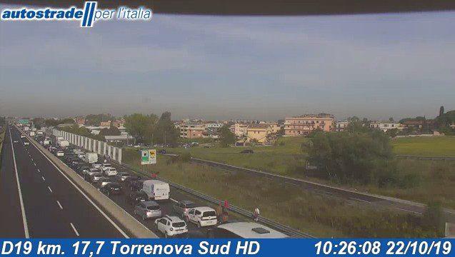 A1 incidente Torrenova diramazione Roma Sud oggi martedì 22 ottobre 2019