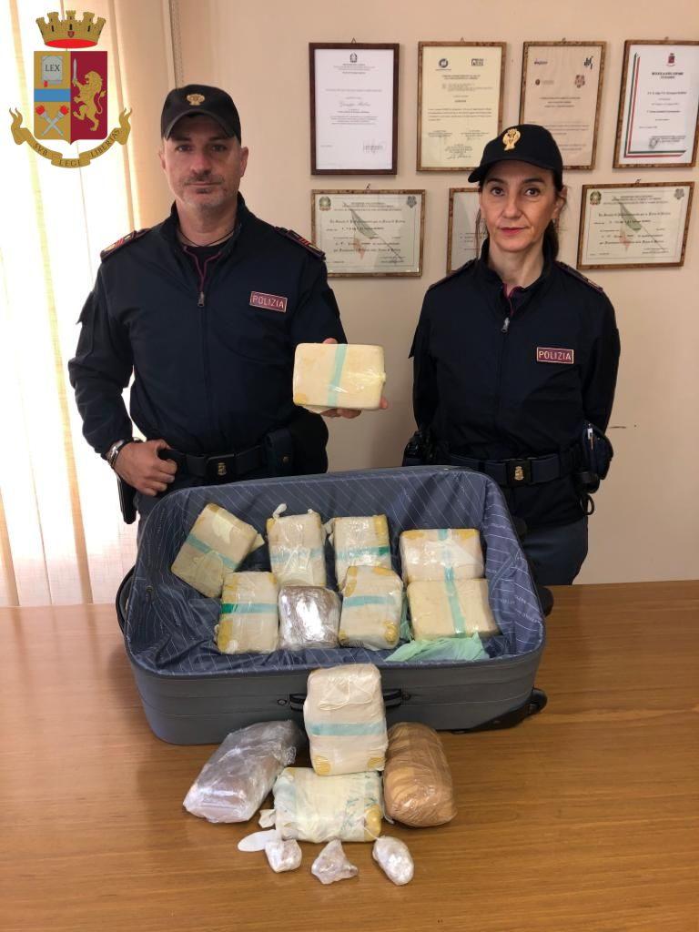 Roma, nascondeva 7 chili di eroina nell'armadio: arrestata una 36enne
