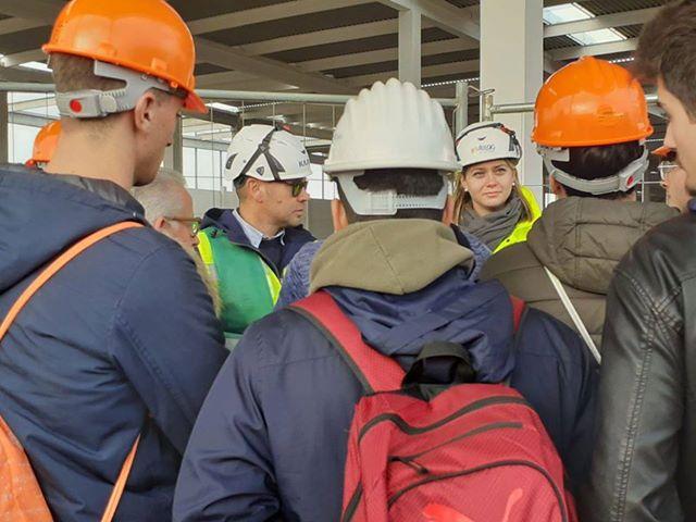 Colleferro, gli studenti dell'IPIA al cantiere Vailog: dalla scuola al mondo del lavoro. Amazon si avvicina