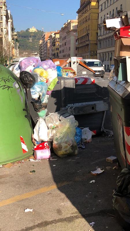 """Roma, emergenza rifiuti """"risolta"""" fino a dicembre: individuati i siti. Ecco quali sono"""