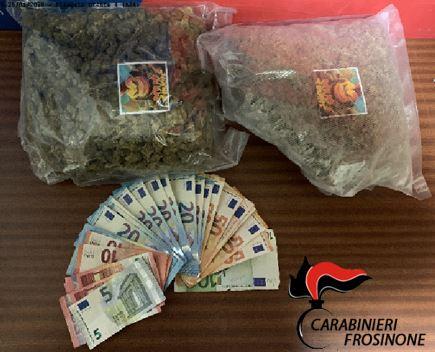 Frosinone, trovati con 1 kg di marijuana durante un controllo: in manette una coppia