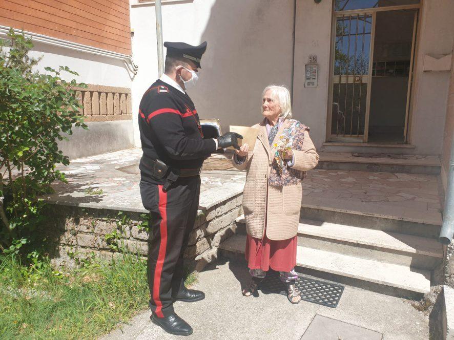 Ceprano, i carabinieri prelevano e consegnano la pensione a un'80enne vedova impossibilitata a raggiungere l'Ufficio Postale