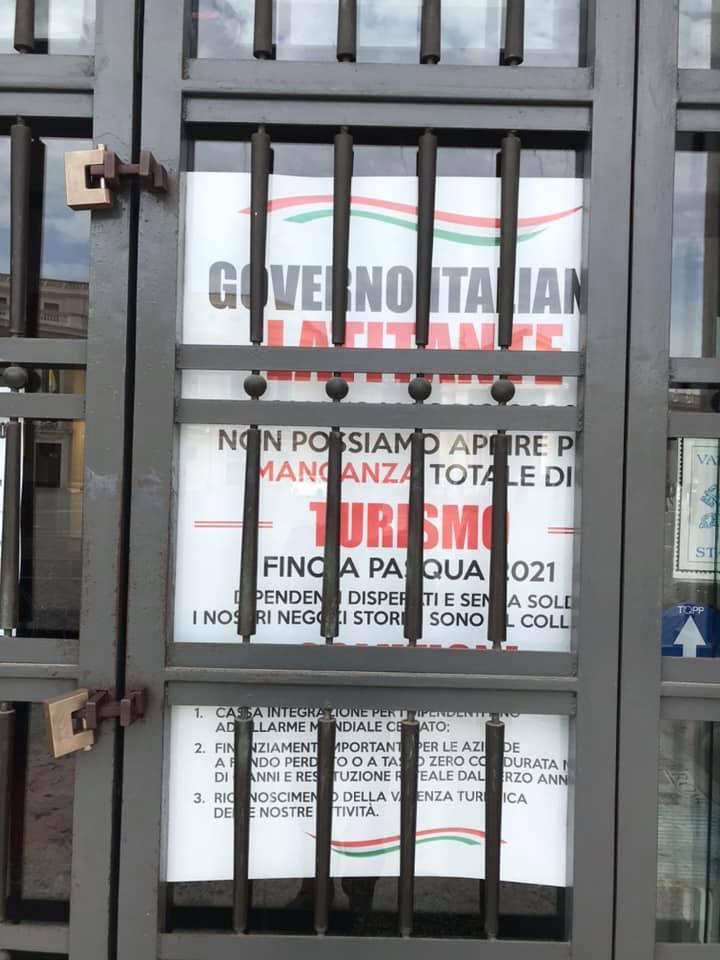 roma deserta negozi chiusi governo turismo
