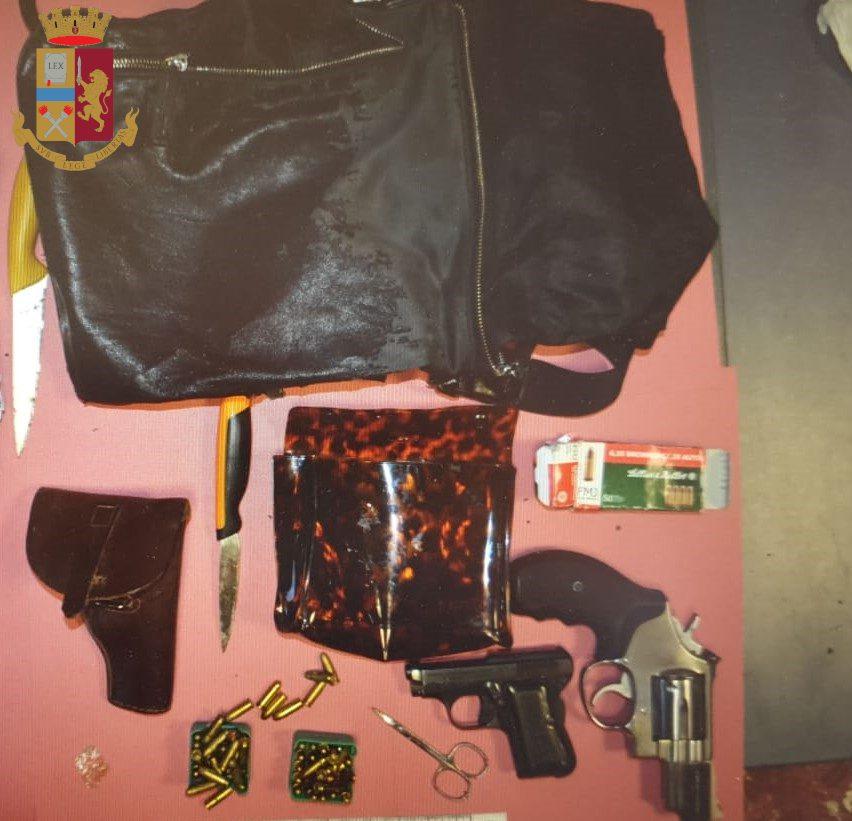 Genzano, 35enne trovato con pistole nel sottosella del ciclomotore: nei guai per ricettazione e detenzione abusiva di armi