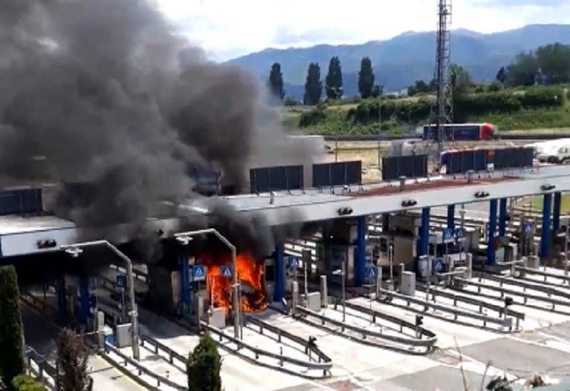 incendio casello valmontone video