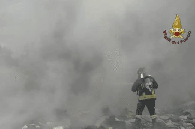 PRoma, incendio al centro accoglienza di Torre Spaccata: edificio evacuato