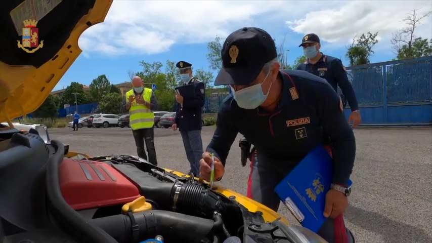 Controlli in Autostrada, rinvenuta a Cassino una Ferrari noleggiata abusivamente. Sequestrate anche due auto senza polizze assicurative