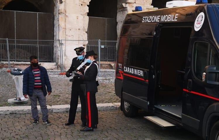 Roma controlli carabinieri