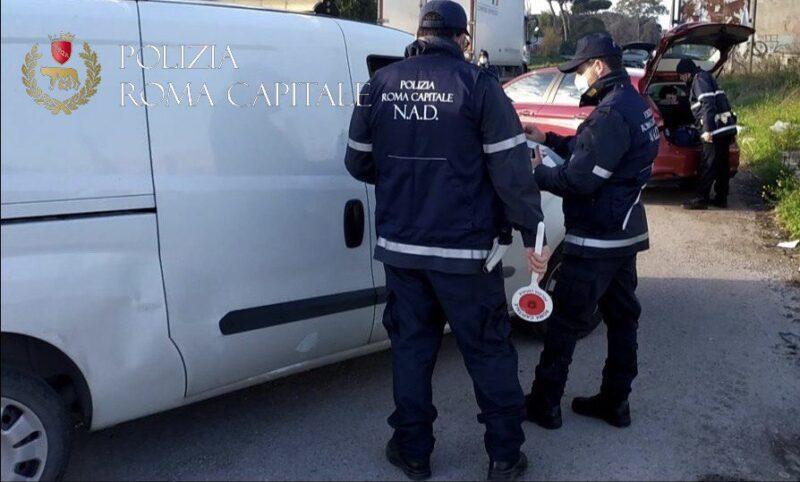 Inquinamento ambientale, operazione congiunta della Polizia Locale di Roma e Napoli. Sequestrato oltre un migliaio di sacchetti di plastica irregolari