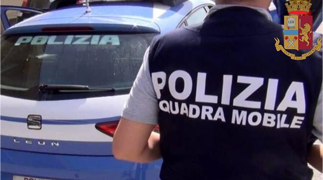 Ostiense, 30enne italiana cerca di fuggire da un negozio con 49 capi di abbigliamento rubati