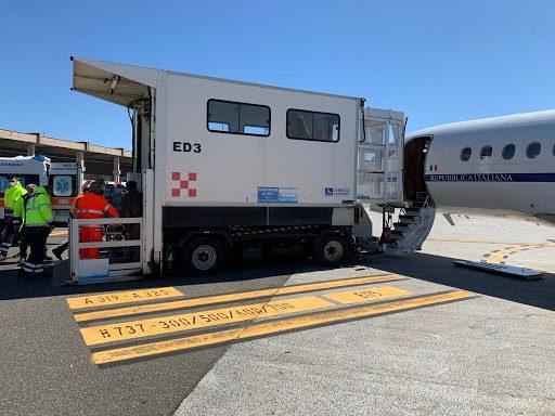 Bambino di 4 mesi in pericolo di vita trasportato a Roma con volo sanitario urgente dall'Aeronautica militare