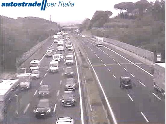 autostrada A1 incidente tra Roma Sud e Valmontone oggi 14 maggio 2021