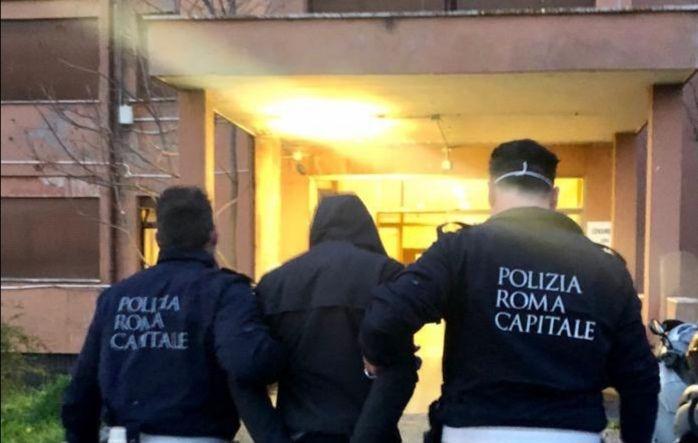 Cornelia-Boccea, aggredisce autista Cotral e gli agenti della Polizia Locale intervenuti