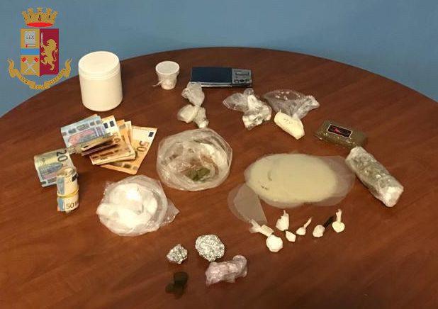 Da Tor Bella Monaca a Ostia, passando per Pigneto e Prenestina: 12 arresti per spaccio di droga a Roma