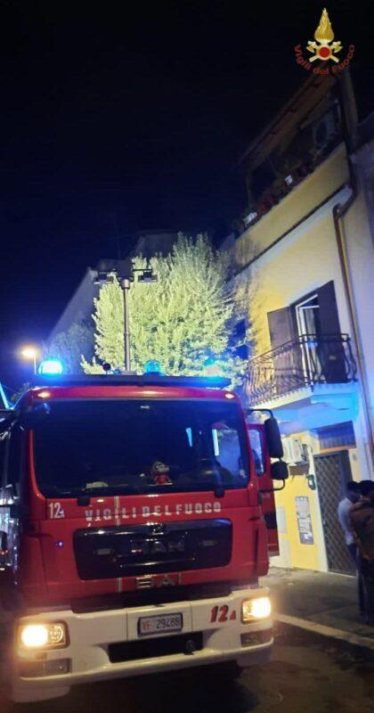 Tuscolano. Incendio in appartamento: l'intervento dei Vigili del Fuoco