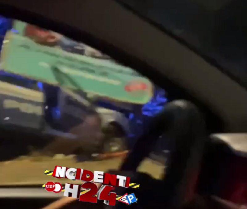 rocca cencia auto polizia cartellone pubblicitario