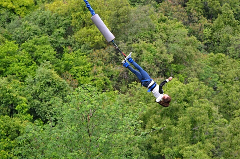 madre muore bungee jumping